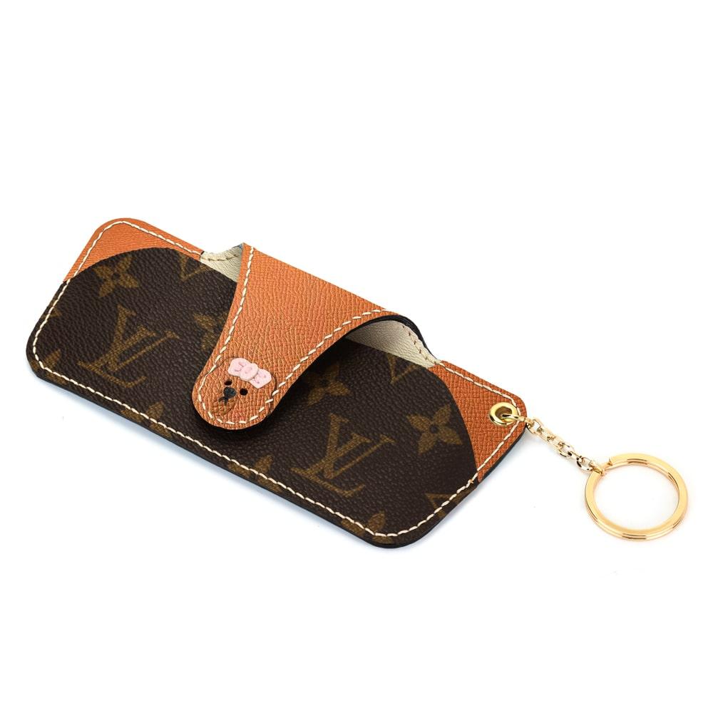 repurposed-lv-glass-case-brown